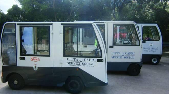"""Il gruppo """"CapriVera"""" propone un servizio di trasporto degli anziani con carrelli elettrici"""