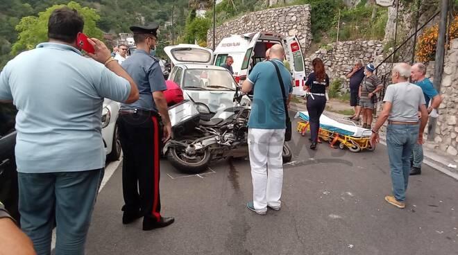 Incidente con moto a Positano località Canneto