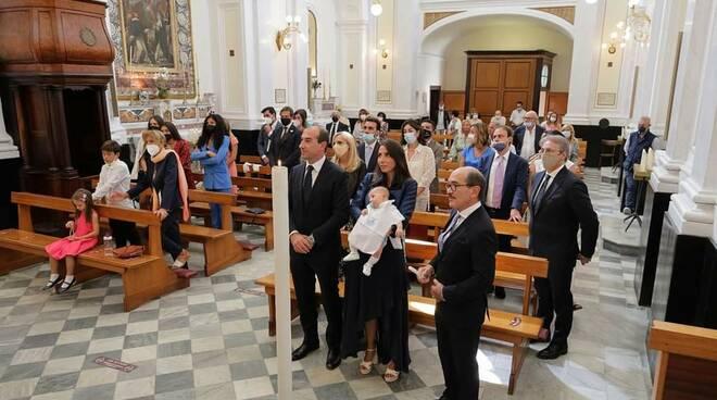 Meta, auguri al piccolo Federico Cafiero de Raho Junior nel giorno del suo battesimo