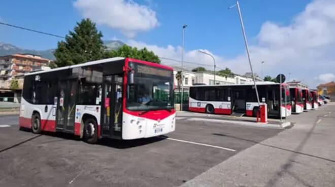 Odissea bus a Cava de' Tirreni: mancano bus e pensiline
