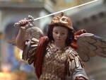 Piano di Sorrento, l'ultima sera della Novena dedicata ai bambini con San Michelino che li protegge come un angelo custode