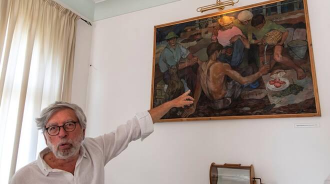"""Positano, restauro del dipinto di Starnone """"Operai che pranzano"""""""