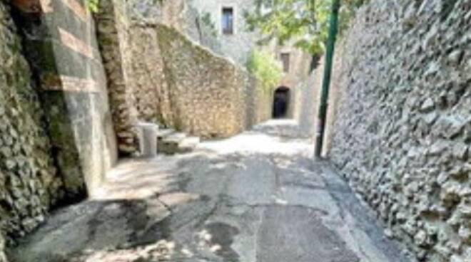 Ravello: asfalto sulla viuzza medievale, la Soprintendenza sott'accusa