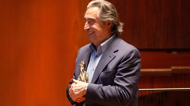 Riccardo-Muti-Premio-Dorso-Foto- Emedia (1)