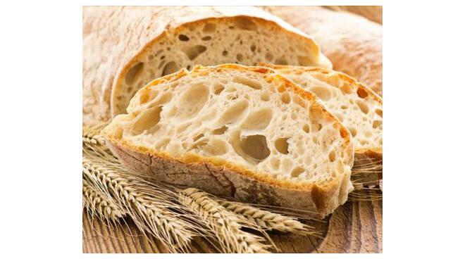 Rincaro sul costo del pane, il prezzo aumenterà di un euro al chilo