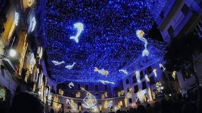 """Salerno, si iniziano a montare le """"Luci d'Artista"""" in vista del Natale"""