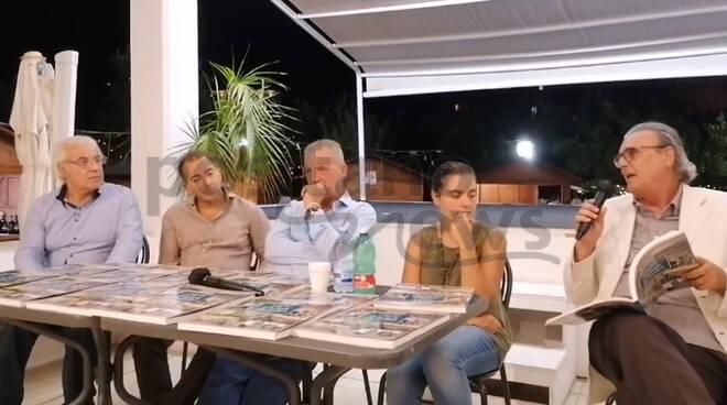 """Sorrento, a Villa Fiorentino presentato il libro """"Saluti dalla Penisola Sorrentina"""" di Salvatore Castellano e Franco Gargiulo"""