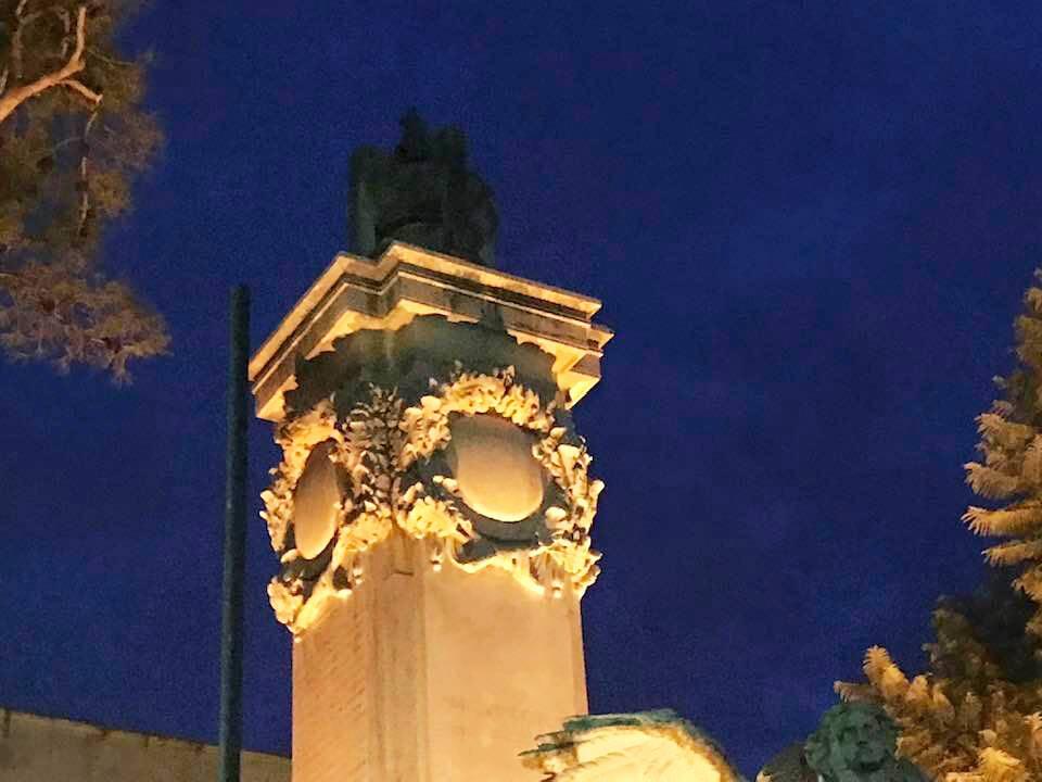 Sorrento, il Monumento ai Caduti privo di illuminazione. A segnalarlo Francesco Gargiulo
