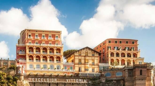 Sorrento, l'Excelsior Vittoria di Sorrento tra i 100 migliori alberghi del monto secondo Travel+Leisure