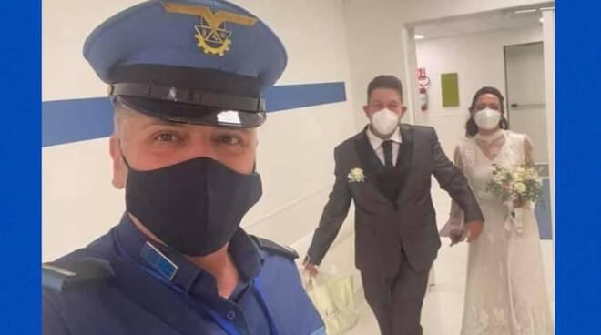Sposi in ospedale a Napoli