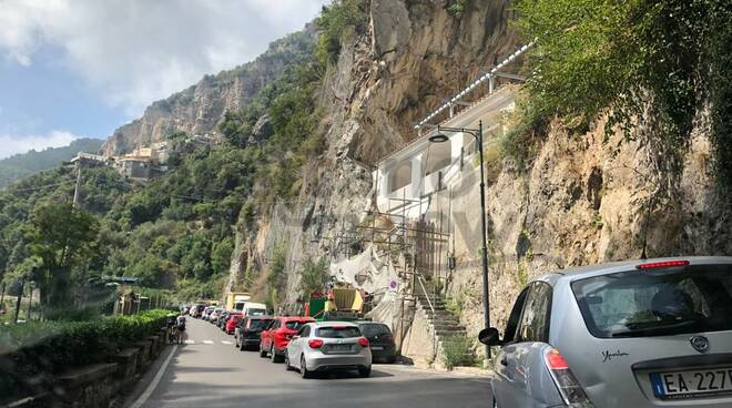 Traffico in Costiera Amalfitana: questa sera allarme rosso per il rientro
