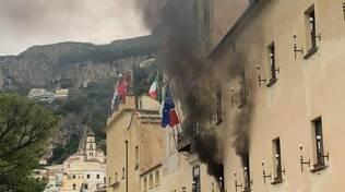 Amalfi incendio al Comune