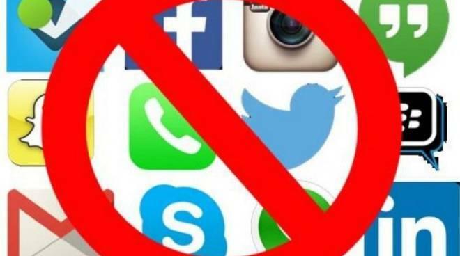 Ancora down in tutto il mondo Facebook, Instagram e Whatsapp. Twitter a sua volta in difficoltà