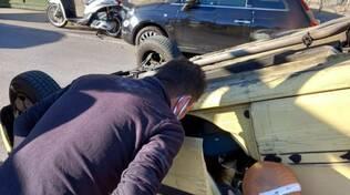 Auto ribaltata a Praiano
