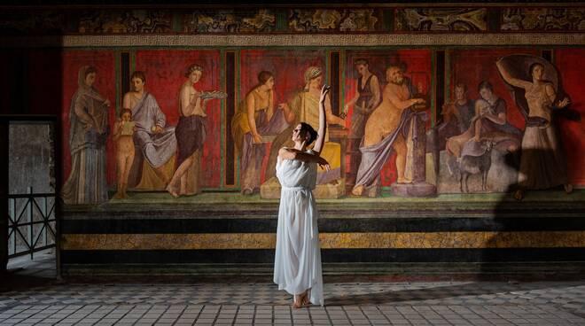 """Intervista alla regista e coreografa Alessandra Sorrentino che ha partecipato al progetto """"Reliving at Pompeii"""" dedicato ai Pink Floyd"""
