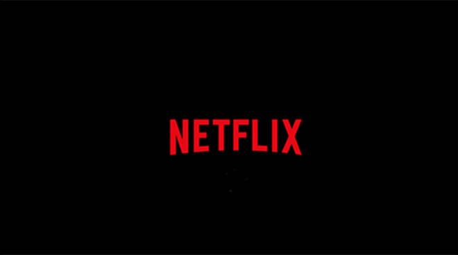 Due ragazzi di Maiori a fare le comparse per una serie tv Netflix girata in Costiera Amalfitana