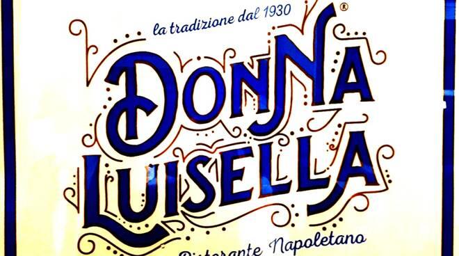 Una stella è nata a Castel dell\'Ovo in mezzo al golfo di Napoli