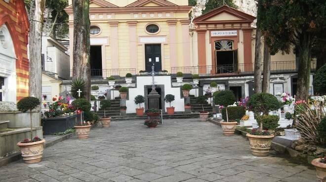 Commemorazione dei defunti, gli orari di apertura dei cimiteri di Vico Equense