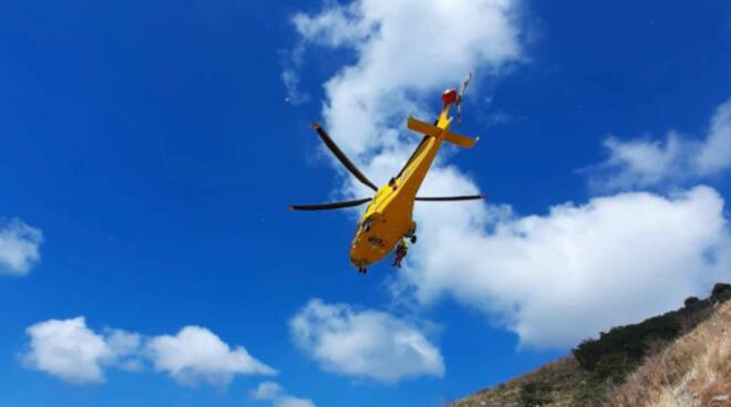 Elicottero soccorso sui sentieri CNAS