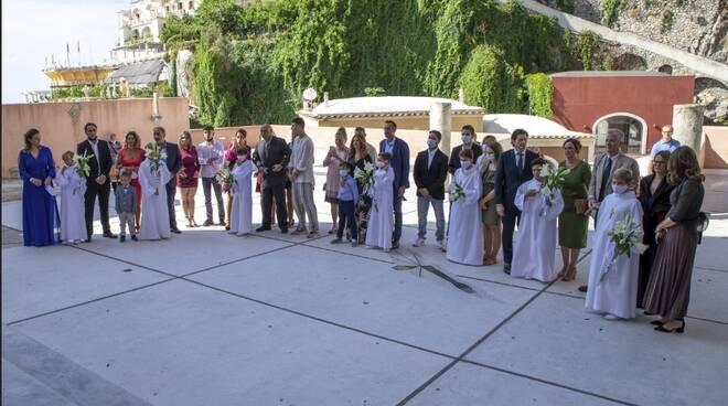 Festa a Positano per sette ragazzi che oggi hanno ricevuto per la prima volta il sacramento dell'Eucaristia