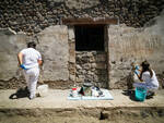 Furto a Pompei: rubato chiusino in marmo da domus