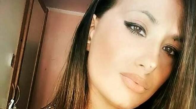 Giulia muore a 25 anni in un incidente, tre anni fa morì nello stesso modo il fidanzato