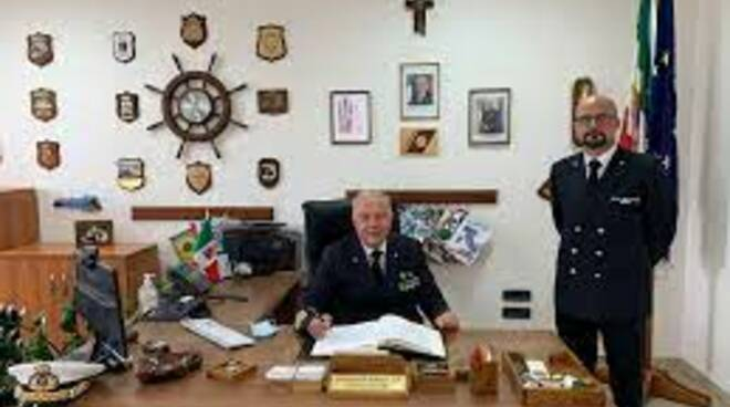 L'Ammiraglio Vella in visita ufficiale alla Capitaneria stabiese