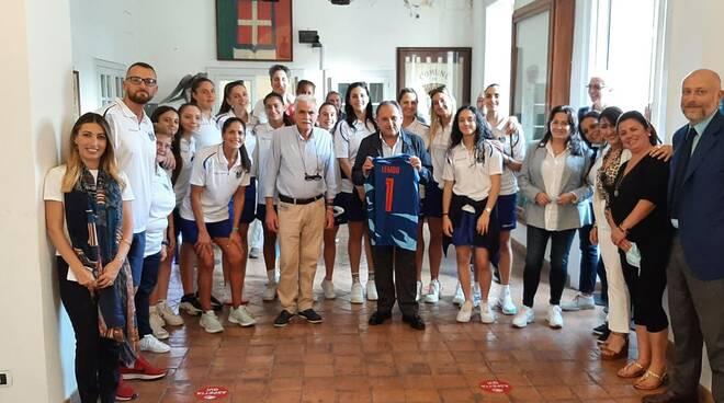 La Blue Lizard Basket Capri in Municipio per la presentazione della squadra