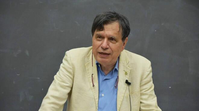 Nobel per la Fisica allo scienziato italiano Giorgio Parisi per le ricerche sui sistemi complessi