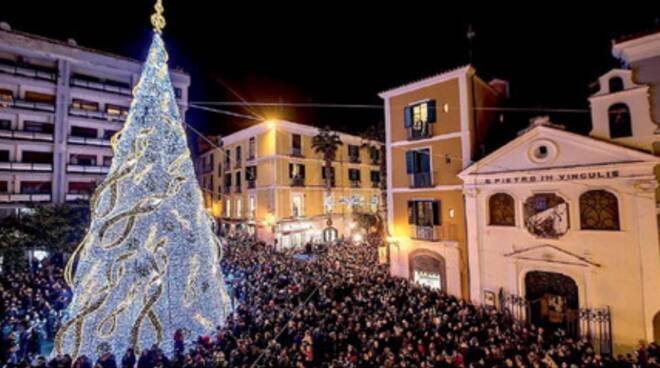 Salerno: torna Luci d'Artista, il Comune compra l'albero